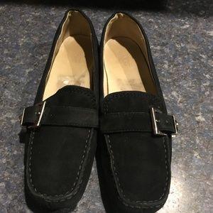 UGG Crawford Black Suede Loafer, S#5149, Size 8